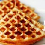 Waffle de pecã com calda – sem glúten